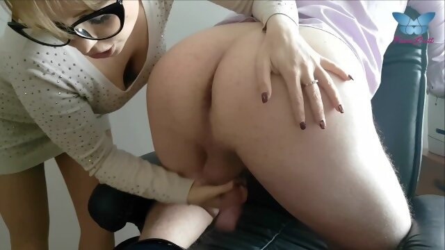 office milf Wicked secretary lick ass of her boss with passion and milks his cock dry
