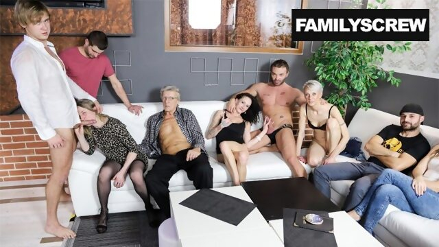 masturbate familyscrew Real Family Sticks Together