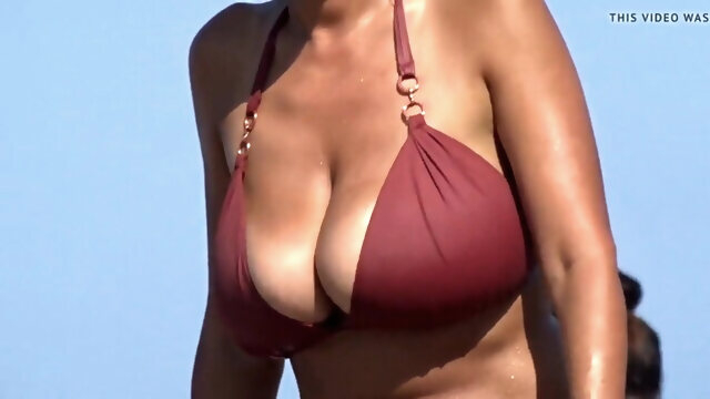 beach amateur BIG BOOBS BEACH