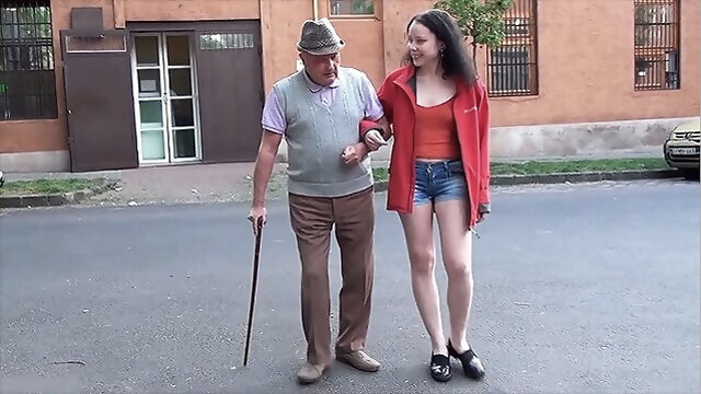 blowjob amateur A happy day for grandpa with a small dick
