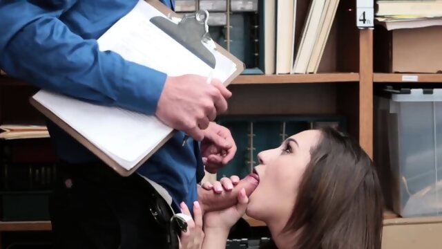 blowjob babe Before the police come Suspect was apprehended to