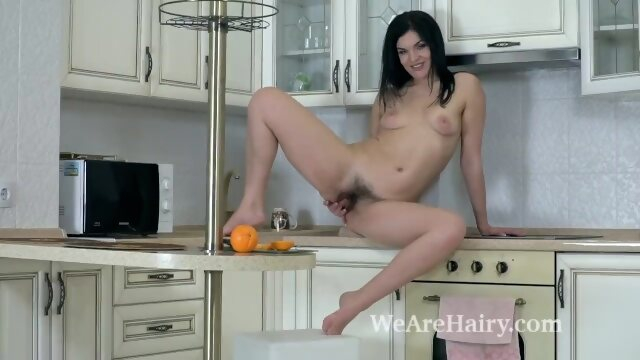 masturbate wearehairy Hannah Vivienne uses an orange to masturbate
