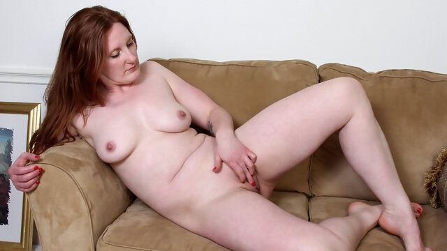 big tits big ass Aella Rae in Feeling Hot - Anilos